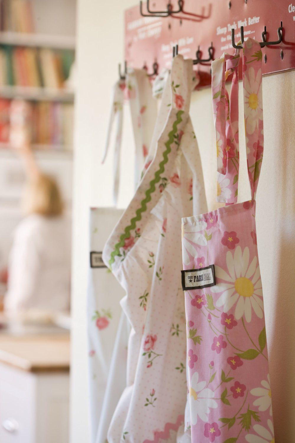 15 Brilliant uses for Vintage Sheets and Linens   Five Marigolds