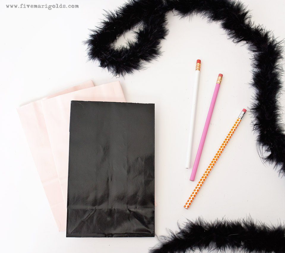 Pink and Black Cat Halloween Bags with Free Printables. Would make great Birthday Favors.